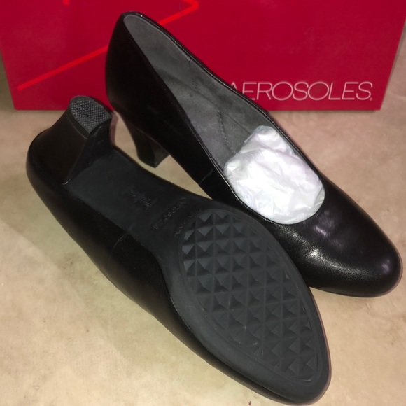 Womens Shore Thing Black Leather Pumps